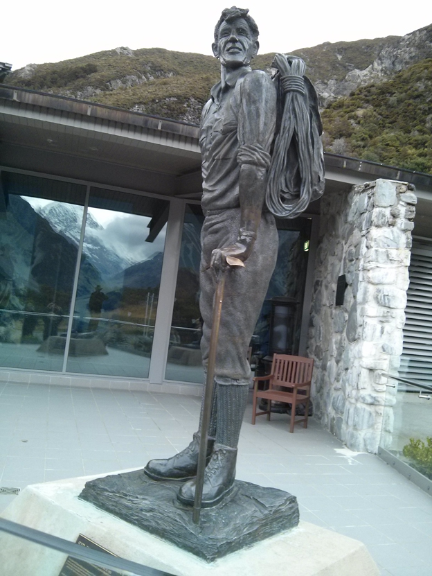 Statue of Sir Edmund Hillary