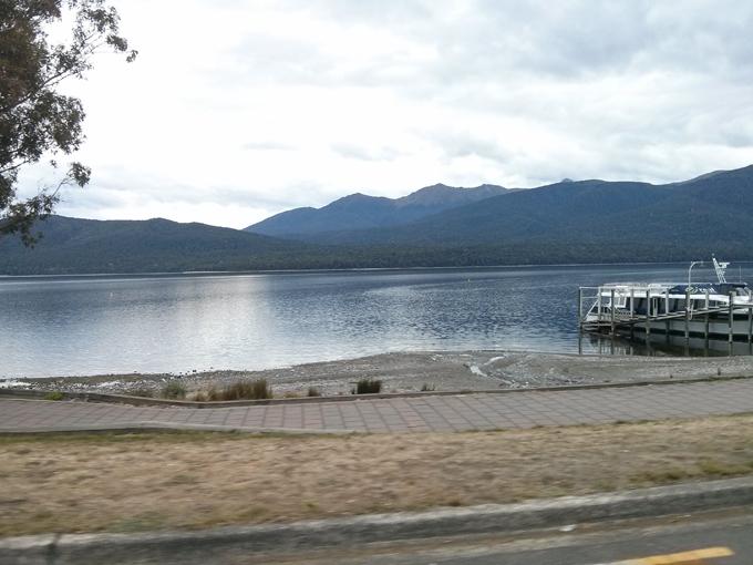 Te Anau lake side view.
