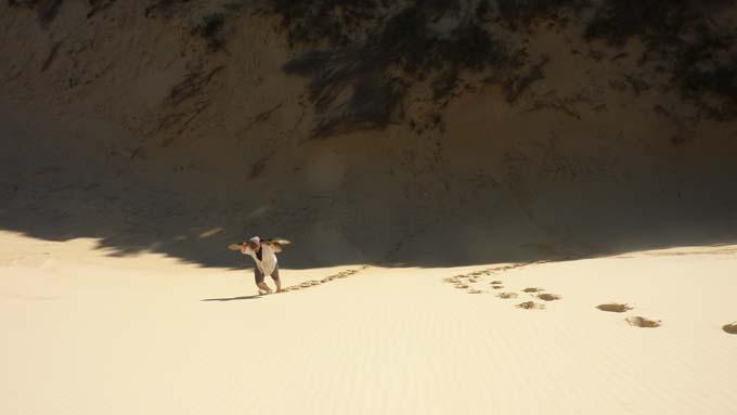 08-Sandboarding-04