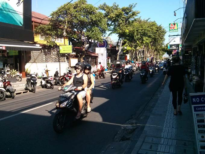 Bali Streets are filled with cars and scooters...its chaos on the streets!