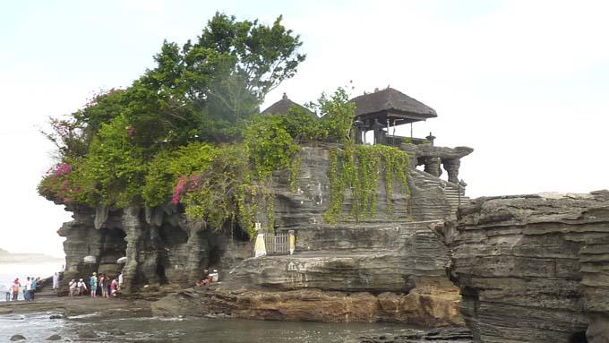 Tanah Lot-06-Tanah Lot Temple