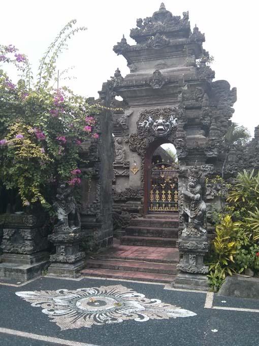 Tanah Lot-20-Enjung Galuh Temple