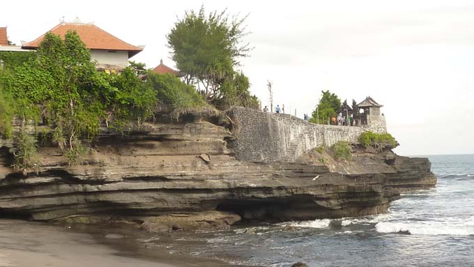 Tanah Lot-21-Batui Bolong Temple