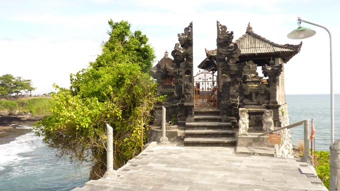 Tanah Lot-22-Batu Mejan Temple