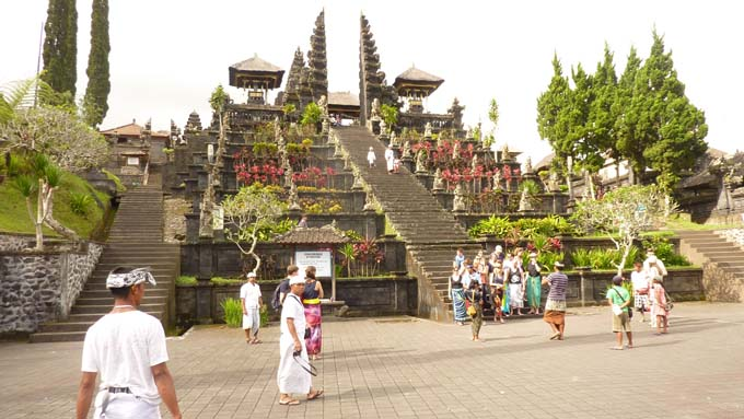 Indonesia-Besakih-02