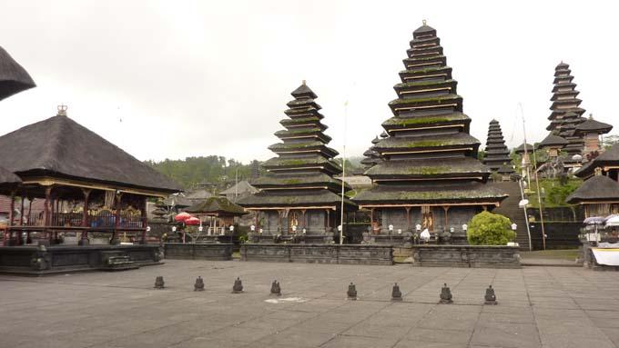 Indonesia-Besakih-09