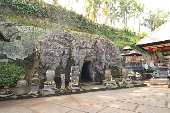 Indonesia-Goa Gajah-17