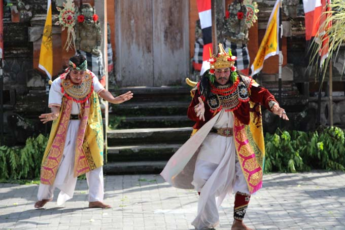 Indonesia-Traditional Dance-04