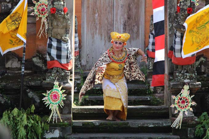 Indonesia-Traditional Dance-06
