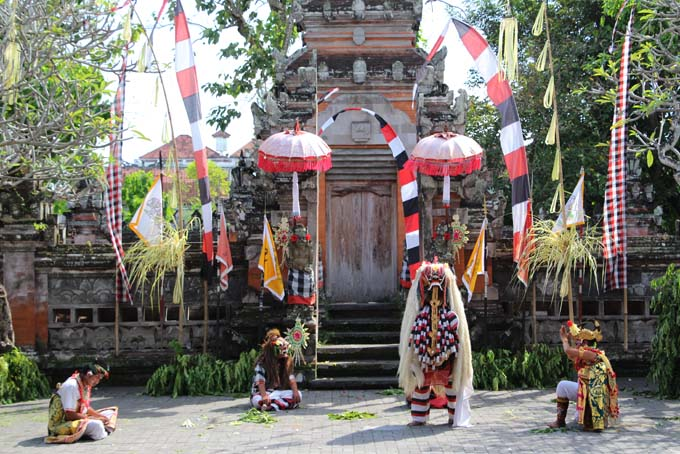 Indonesia-Traditional Dance-10