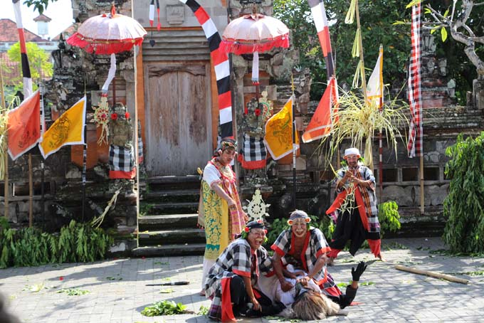 Indonesia-Traditional Dance-12