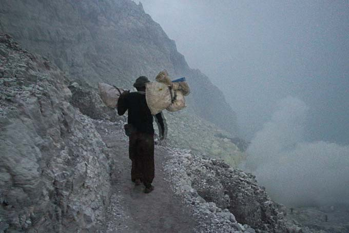 Indonesia-Mt Ijen-09