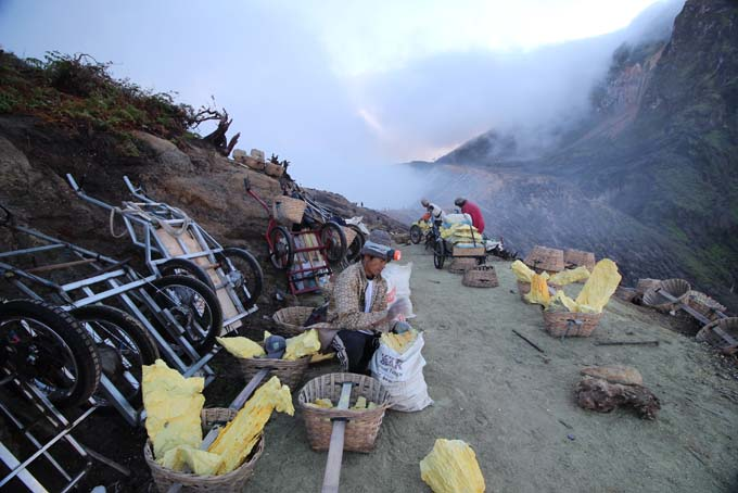 Indonesia-Mt Ijen-37