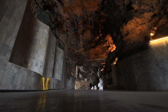 Malaysia-Ipoh-Limestone Cave Temple-15