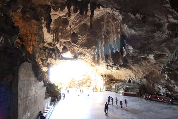 Malaysia-Ipoh-Limestone Cave Temple-16
