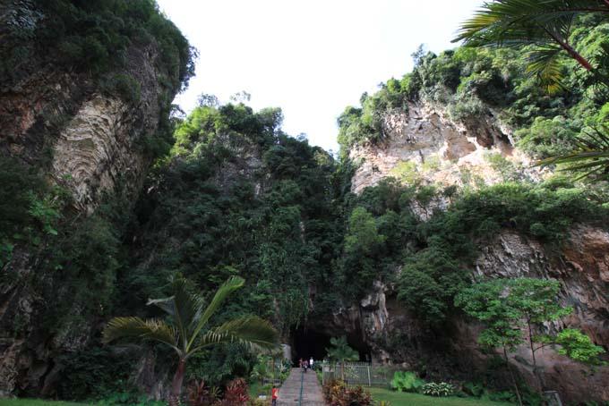 Malaysia-Ipoh-Limestone Cave Temple-26