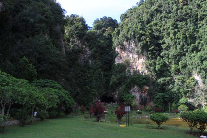 Malaysia-Ipoh-Limestone Cave Temple-27