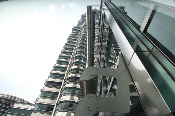 Malaysia-KL-Petronas Twin Towers-23