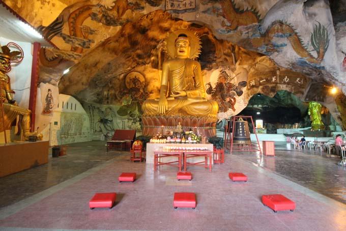 Malaysia-Perak Cave Temple-04