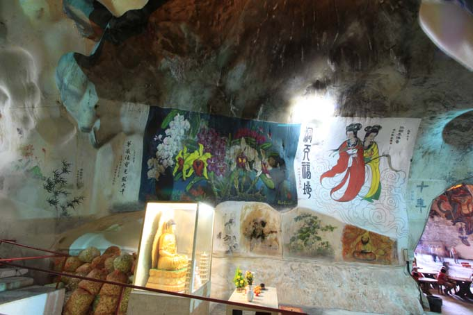Malaysia-Perak Cave Temple-11