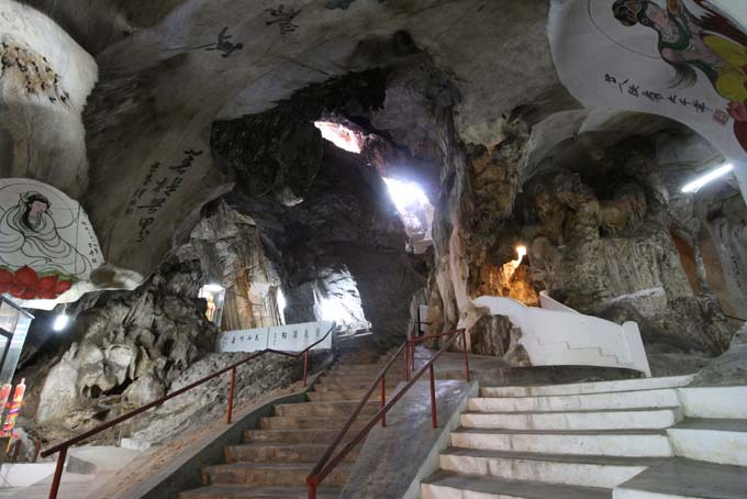 Malaysia-Perak Cave Temple-22
