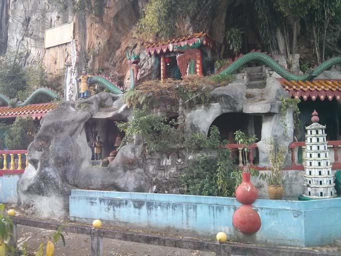 Malaysia-Sam Poh Tong Temple-02