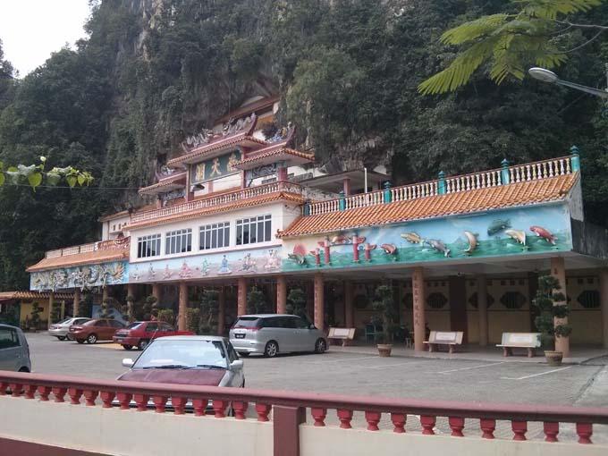Malaysia-Sam Poh Tong Temple-04