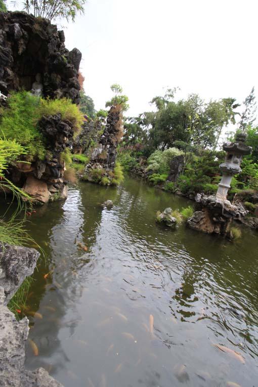Malaysia-Sam Poh Tong Temple-11