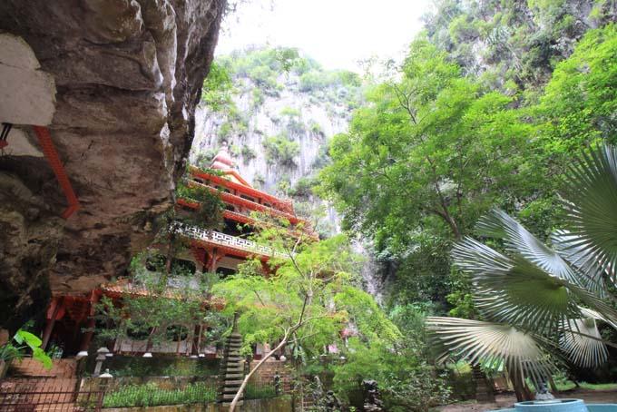 Malaysia-Sam Poh Tong Temple-34