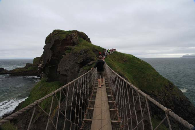 Ireland-539-Carrick A Rede Rope Bridge