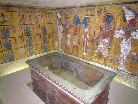 KV 62 - Tutankhamen-03