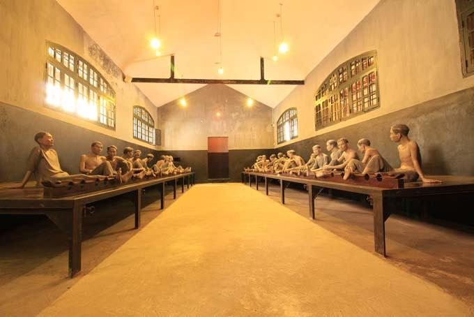 Hanoi-Prison Museum-012