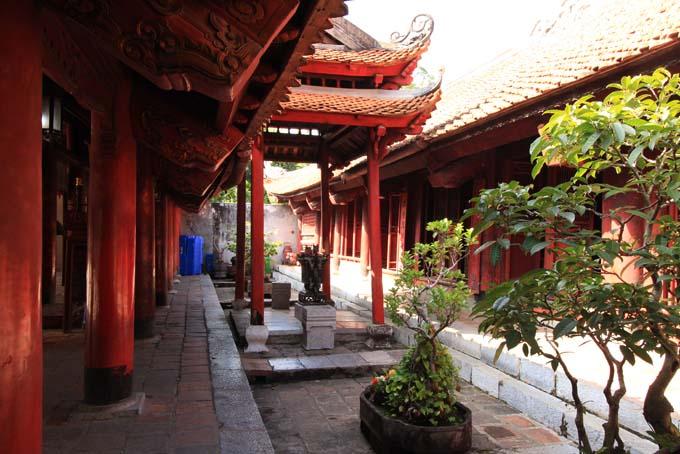 Hanoi-Temple of Literature-028