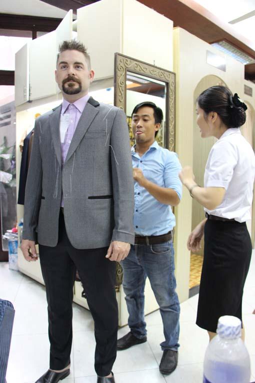 Vietnam-Hoi An-Bus & Tailors-37