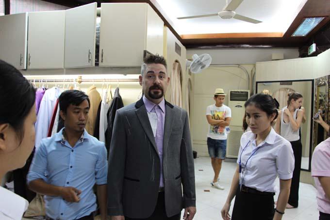 Vietnam-Hoi An-Bus & Tailors-38